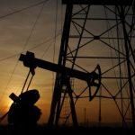 Нефть подешевела на неожиданных новостях из США