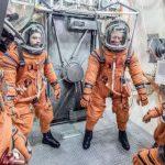 NASA испытало лунный скафандр