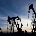 Нефтяным трейдерам Венесуэлы запретили расчеты в долларах