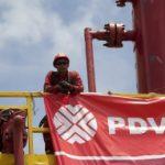 Венесуэла готова наращивать нефтедобычу для борьбы с кризисом
