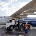 «Газпром нефть» на 10% увеличила объем розничных продаж авиатоплива в Шереметьево