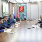 Алексей Дюмин провел рабочую встречу с генеральным директором МРСК Центра Игорем  Маковским