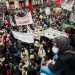 Экономика Франции замедлила рост из-за забастовки
