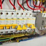 В Нижневартовске по квартирам ходят лжеэлектрики и предлагают купить стабилизатор напряжения
