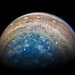 Спутник NASA прислал новые фотографии Юпитера