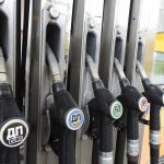 В Таджикистане цены на бензин снизились, а стоимость проезда по трассе Душанбе-Худжанд выросла