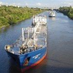 Речной экспорт нефтепродуктов в РФ в апреле вырос благодаря ранней весне