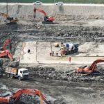 На стройплощадке Красногорских МГЭС укладывают бетон в основание сооружений станции