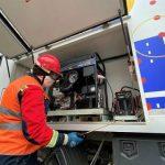 Почти стерильные: вахтовики СГК дезинфицируют автомобили ремонтных бригад теплосетей АДБАХом