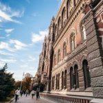 Украина подошла к пиковых выплат по долгам