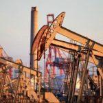 Нефть начала дешеветь из-за разногласия в ОПЕК+