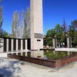 Саратовская ГЭС помогла завершить обновление обелиска погибшим в годы Великой Отечественной войны