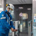 Московский НПЗ продолжит измерять насыщенность крови персонала кислородом и после эпидемии