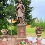 В Нягани открыли памятник  медсестрам  Великой Отечественной войны
