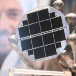 Ученые создали солнечный элемент с графеновим электродом, что увеличило его мощность в 36 раз
