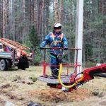 «Тимашевские электрические сети» заменили на ЛЭП 4,5 км грозотроса и 7 тысяч изоляторов
