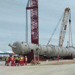 На пятой и шестой линиях Амурского ГПЗ установили колонну выделения пропана весом 194,5 тонны