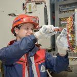 В Нижневартовске провели новые линии электропередачи к жилым домам и детскому саду «Ладушки»