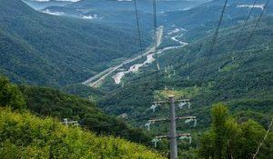 опоры ЛЭП в горах Сочи