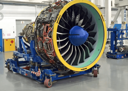 двигатель самолета турбина
