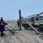 В Черноземельском районе Республики Калмыкия лёд обрушил более 100 опор ЛЭП