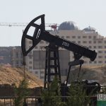 Нефть дорожает на данных о снижении запасов в США