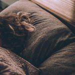 С началом пандемии людям чаще снятся тревожные сны – ученые