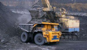 уголь , экскаватор, карьерный самосвал БЕЛАЗ