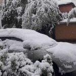 На Таджикистан обрушился мощный снегопад с сильным ветром