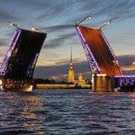 Дворцовый мост предстанет в цветах ленточки Ленинградской Победы