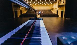 театральный зал Дворца культуры «Капотня»