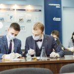 Омский НПЗ провел на базе ОмГТУ мультидисциплинарную квест-олимпиаду для школьников