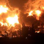 В Индонезии тушат пожар на НПЗ