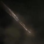 Падающие обломки ракеты SpaceX попали на видео