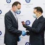 Глава Росатома вручил награды за работы по вводу в эксплуатацию энергоблока №6 Ленинградской АЭС