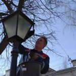 Филиал Костромаэнерго приступил к работам по реконструкции торшерных светильников в парках Костромы