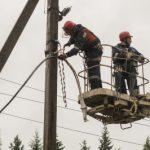 «Россети Ленэнерго» повысили надежность электроснабжения 400 домов в Лужском районе Ленинградской области