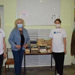 Более ста книг подарили костромские энергетики областной библиотек