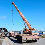 На заводе «Омский каучук» монтируют колонну для извлечения бутадиена