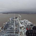 Газовоз «Маршал Василевский» впервые принял на борт партию СПГ в порту Сабетта