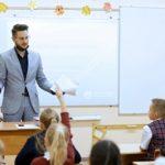 «Россети Ленэнерго» провели первый урок электробезопасности в новом учебном году