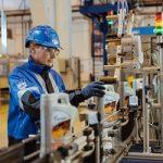 «Газпром нефть» обеспечит предприятия Алтайского края моторными маслами и техническими жидкостями